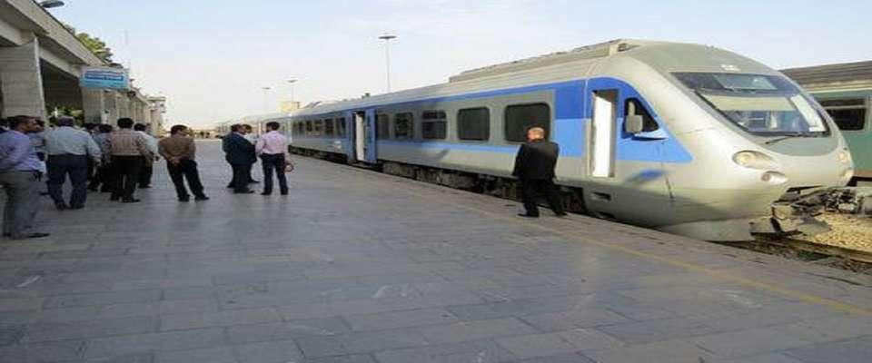 افزایش قیمت بلیت به ایستگاه قطار رسید