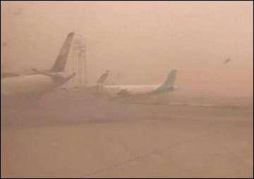 وزش باد شدید همراه با گردوخاک در برخی نقاط کشور/ دمای تهران؛ ۳۵ درجه سانتیگراد