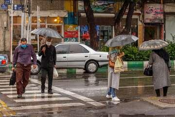 بارندگیها در شمال وجنوب کشور تا فردا ادامه دارد