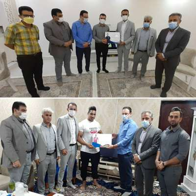 فرهاد دربندی سرپرست شهرداری خرمشهر از دو نخبه ورزشی خرمشهر تجلیل کرد