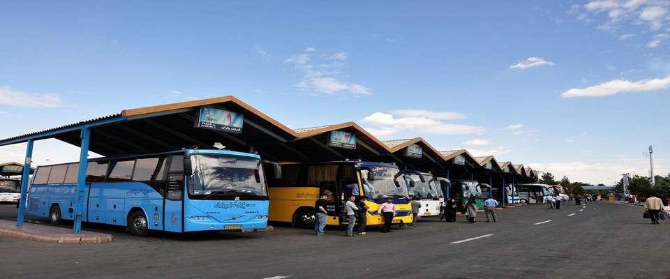 استقرار روزانه ۴۰۰ دستگاه اتوبوس در مرز مهران برای جابه جایی زائران اربعین