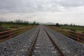 اتمام احداث خط آهن همدان-سنندج تا دهه فجر/ نیاز به ۴۰۰ میلیون تومان اعتبار برای تکمیل طرح