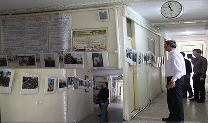 همزمان با سالروز آزاد سازی خرمشهر: نمایشگاه عکس دفاع مقدس در بنیاد مسکن انقلاب اسلامی استان برگزار گردید