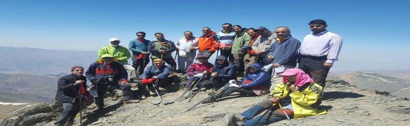 صعود تیم کوهنوردی سازمان به قله سیالان