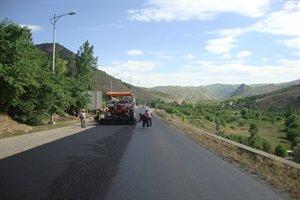 جزئیات بهسازی راههای روستایی در سروآباد