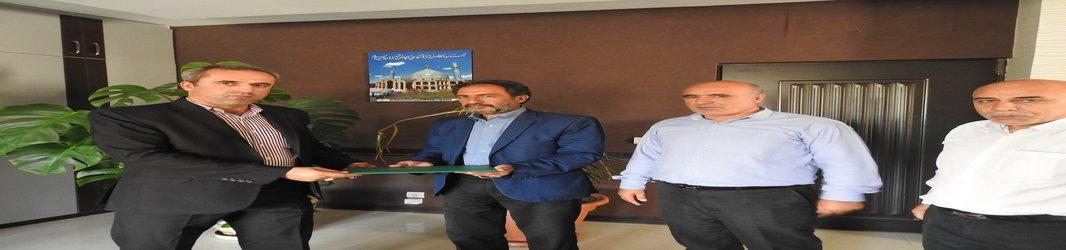 تجلیل مدیرکل حفاظت محیط زیست استان اصفهان از آزاده سرافراز حفاظت محیط زیست استان