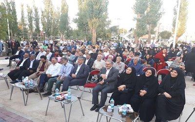 شهردار ابهر در جشن غدیر گفت :  باغ گل در فاز سوم باز طراحی پارک پردیس اجرایی می شود