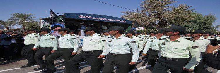 مراسم رژه آغاز هفته دفاع مقدس با حضور یگان های نظامی، انتظامی، سپاه و بسیج برگزار شد.
