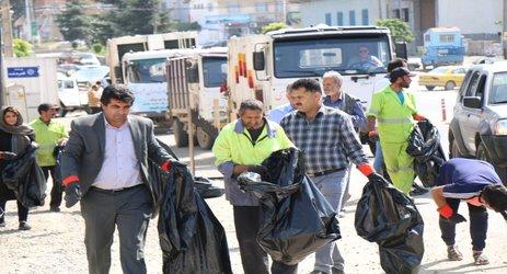 همایش پاکسازی طبیعت توسط پرسنل خدمات شهرداری و دوستداران طبیعت