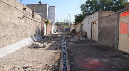 اتمام عملیات جدول گذاری و آبروسازی کوی کرامت توسط شهرداری منطقه ۷ تبریز