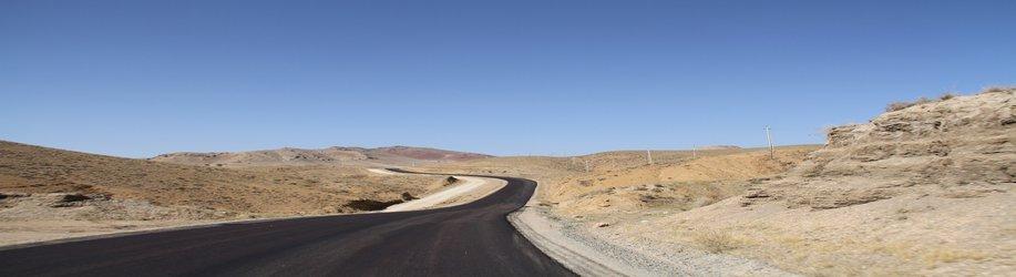 مهندس حیدری از پروژه بهسازی  و آسفالت راه روستایی عنبران  سرو آباد بازدید کرد
