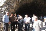 بازدید مدیرکل راه وشهرسازی استان ایلام از تونل در حال احداث کبیرکوه