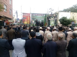 تجمع بزرگ عزاداران حسینی شهر نمین در خیابان امام خمینی (ره) این شهر برگزار شد