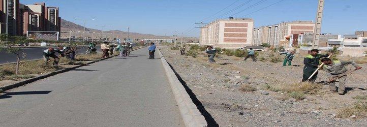 بسیج گسترده نیروهای شهرداری بیرجند در خدمت رسانی به شهر