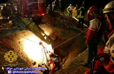 عملیات نجات ۲ نفر از عمق ۶۵ متری قنات ده روستای برآباد توسط مامورین خدوم ایستگاه آتش نشانی شهرداری خواف