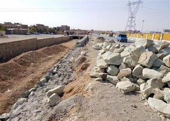 رودخانه های فصلی حاشیه شهر آبیک ساماندهی میشوند