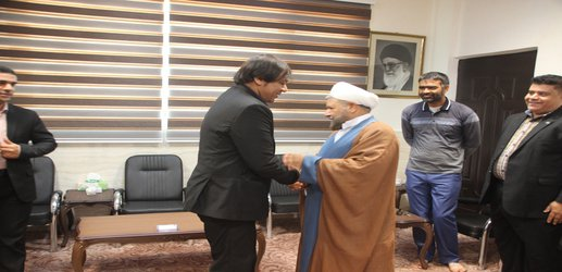 دیدار اعضای شورای شهر و شهردار قشم با امام جمعه شهرستان