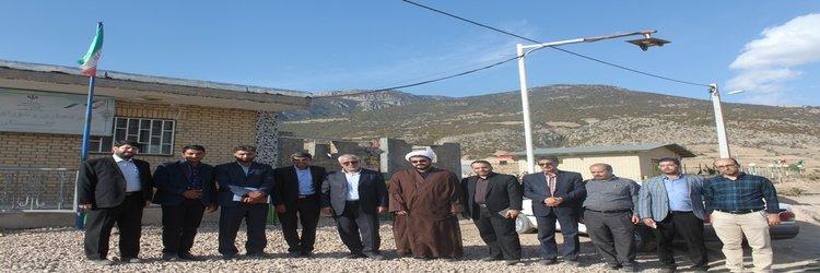 بازدید مهندس مهدیان و هیئت همراه از واحد های مسکونی ساخته شده منطقه زلزله زده میامی
