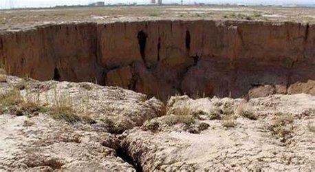 افزایش پدیده فرونشست زمین در ایران /احیاء منابع آبهای زیرمینی در حیطه وظایف وزارت نیرو است