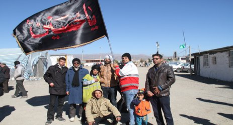 استقبال از زائران پیاده حرم مطهر رضوی در شهر جدید بینالود به  ...