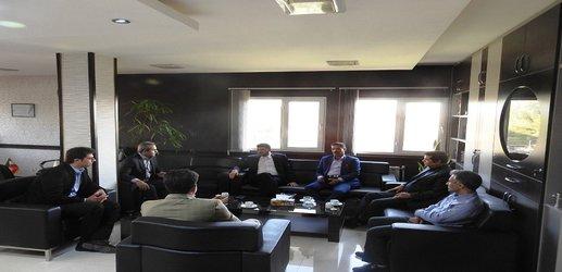 بررسی وضعیت تالاب شور گلپایگان با حضور مسوولان کشوری و استانی