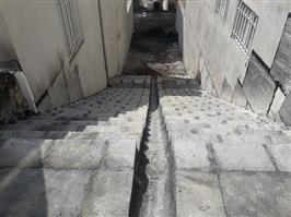 عملیات پله گذاری چندین معبر در شهرک بهاران انجام شد