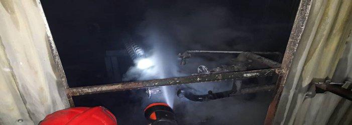 مهار آتش سوزی  آتش سوزی کارخانه تصفیه روغن در شهرک صنعتی یاسوج/ تصاویر