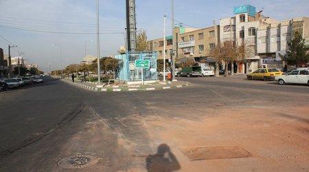 احداث خط لوله جدید انتقال آب در خیابان ۴۲ متری انقلاب شهرداری منطقه ۱۰ تبریز