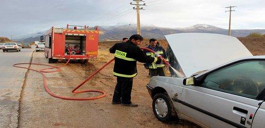 حوالی ساعت ۱۷ خودروی سواری پژو دچار حریق گردید که با حضور به موقع آتش نشانان در کمترین زمان ممکن مهار و خاموش شد