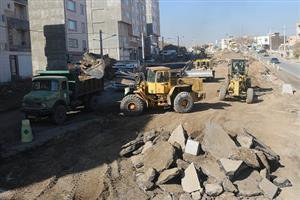 تلاش کارکنان خدوم و زحمتکش سازمان عمران و بازآفرینی شهرداری سنندج در راستای اتمام پروژه بلوار ۳۶ متری دگایران