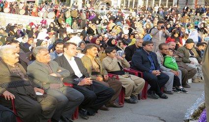 برگزاری جشن میلاد نبی مکرم اسلام و رونمایی از بزرگترین المان دف جهان در شهر پاوه