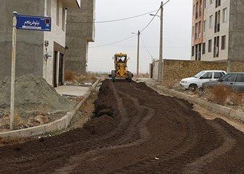 عملیات عمرانی تراشه آسفالت معابر محله ناصر آباد در حال اجراست