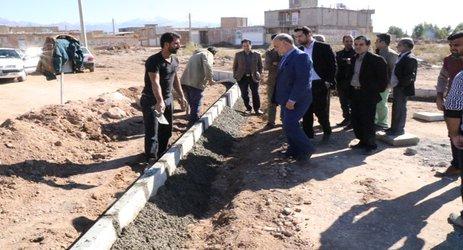 مهندس مهدلو شهردار زرنداز افزایش سرعت در پروژه های عمرانی شهر زرند خبر داد .