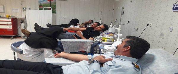 اهدای خون کارکنان  آتش نشانی شهرداری یاسوج به مناسبت عید مبعث با هدف ترویج فرهنگ ایثار