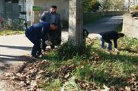 دانش آموزان صومعه سرا حاشیه جاده واقعه دشت را پاکسازی کردند