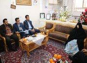 دیدار شهردار شاهین شهر با خانواده معظم شهید تازه تفحص شده غلام حق شناس