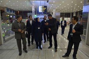 بازدید مدیرعامل ایرانایر از فرودگاه امام خمینی (ره) و گفتوگو با مسافران