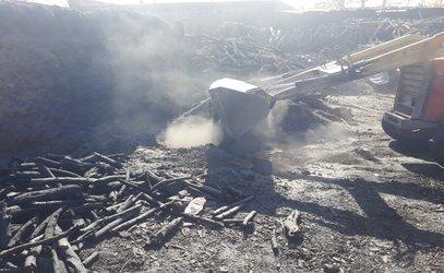 تخریب ۴ حلقه چاه تولید ذغال در شهرستان نجف آباد