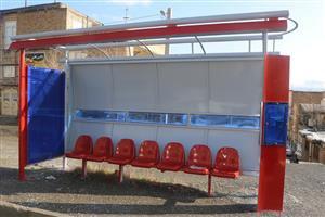 ۵۷ سایبان ایستگاه های  اتوبوس  درسنندج رنگ آمیزی و بازسازی شد