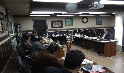 رئیس شورا ی اسلامی شهر ابهر در نشست صمیمی با شهردار و مسئولین واحدهای شهرداری گفت :   در بودجه سال آینده باید اولویت پروِژه ها لحاظ گردد